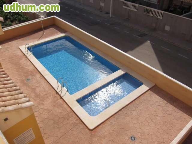 Ocasion duplex en urbanizaci n piscina for Piscinas desmontables ocasion