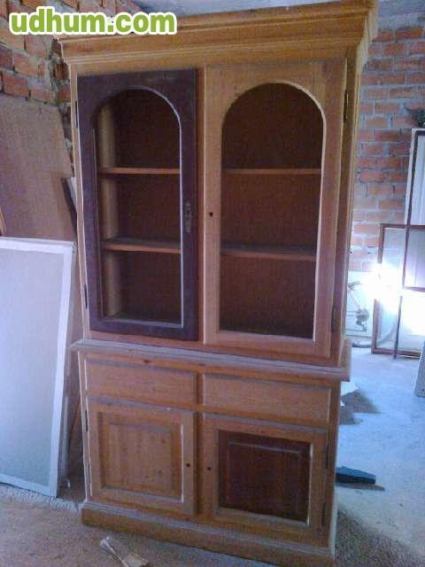Mueble en natural con dos puertas y cajo for Mueble dos puertas