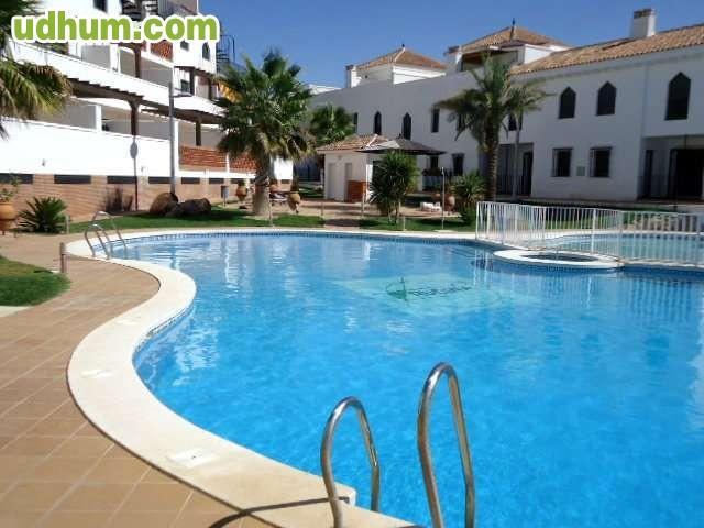 Alquiler de piso 2 dormitorios piscina for Contrato plaza garaje