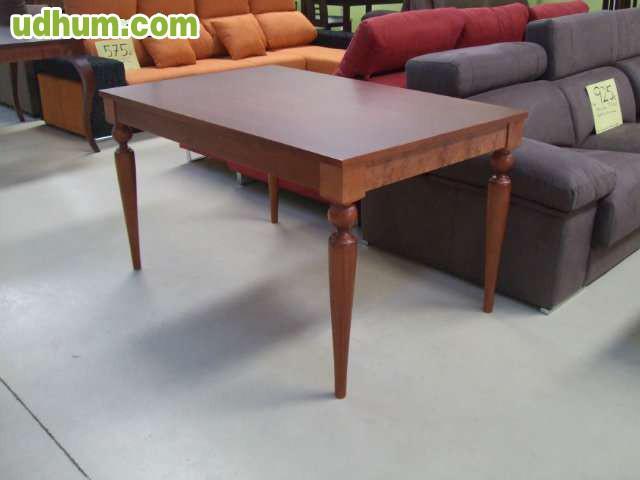 Mesa de madera nueva con patas torneadas for Modelos de mesas de comedor de madera