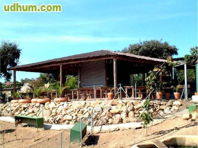 Palapas kioscos naves en madera 1 for Alquiler chiringuito madera