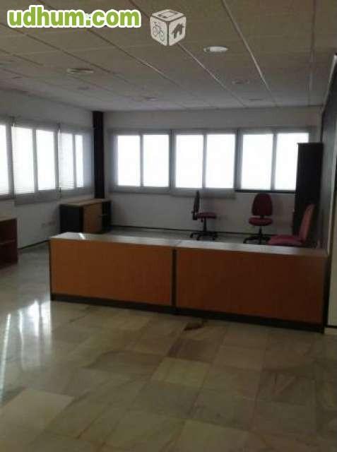 Oficinas polg pisa 700 for Muebles poligono pisa