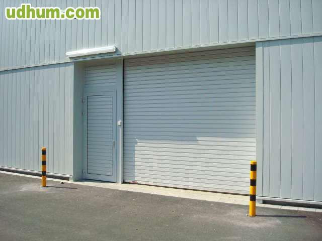 Vendemos todo tipo de cierres metalicos for Puertas enrollables