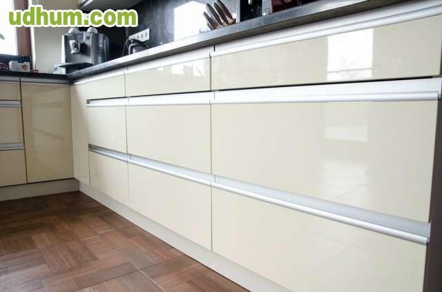 Carpinteria montaje y reformas for Montar muebles de cocina
