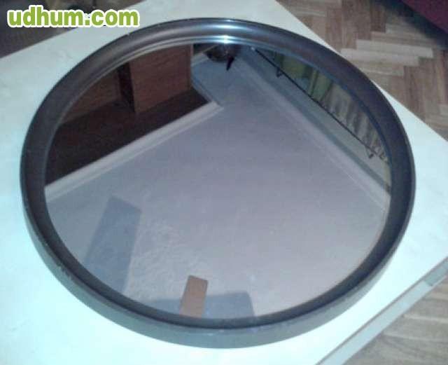 Dos espejos redondos para colgar for Espejos para colgar