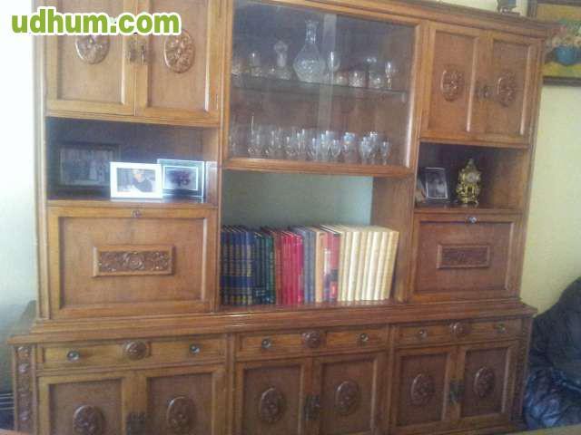Mueble de salon con mesa y sillas 2 for Vendo mueble salon