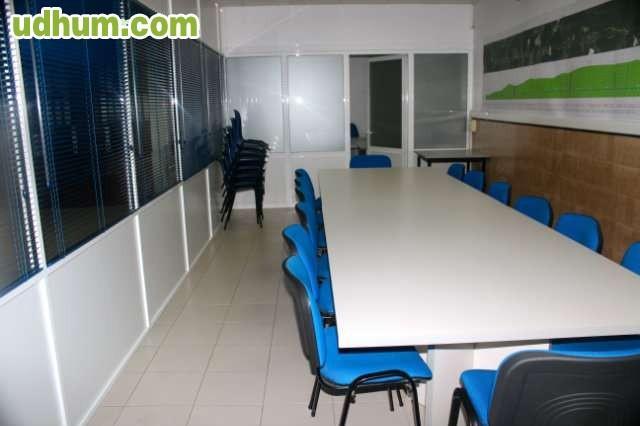 se alquilan oficinas 4