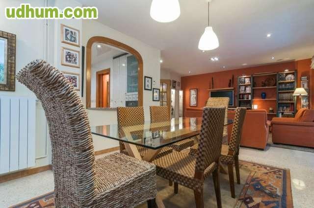 Precioso y amplio piso en castelldefels for Pisos castelldefels playa