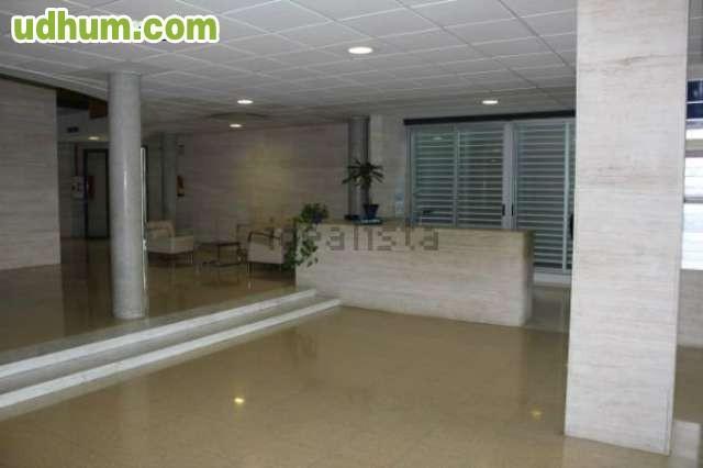 Oficinas En Corona Center De Banco