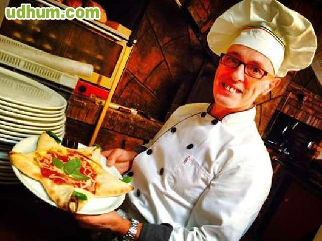 Pizzero y ayudante cocina for Ayudante cocina