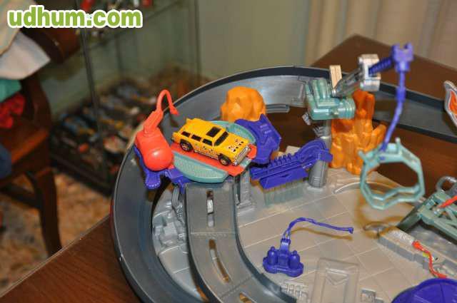 Pistas De Hot Wheels De Dinosaurios Recogidos Con Trenzas Para Fiestas