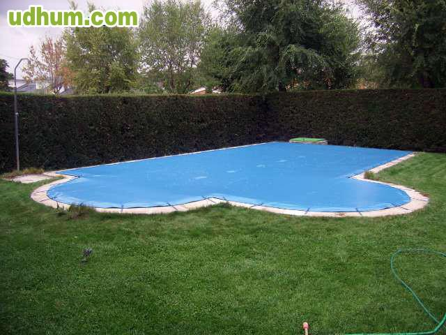Fabricantes venta de lonas de piscina for Piscinas fabricantes
