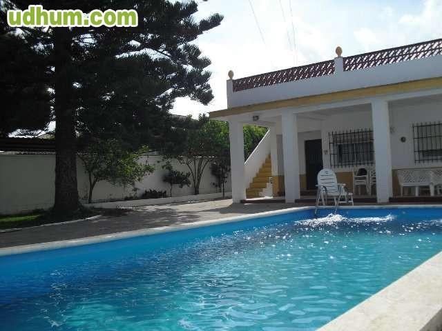 Chipiona con piscina for Piscina municipal chipiona