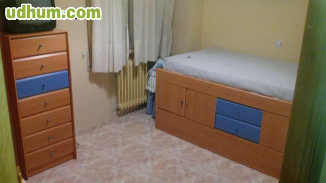 Centro pintor murillo for Alquilo habitacion amplia