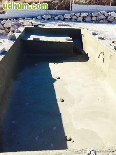 Piscinas de hormig n proyectado gunita for Construccion de piscinas en granada