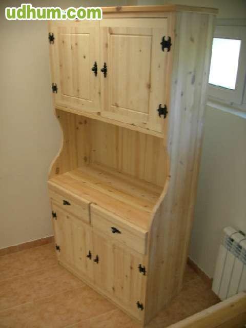 Mesas sillas armarios a medida for Armarios buenos