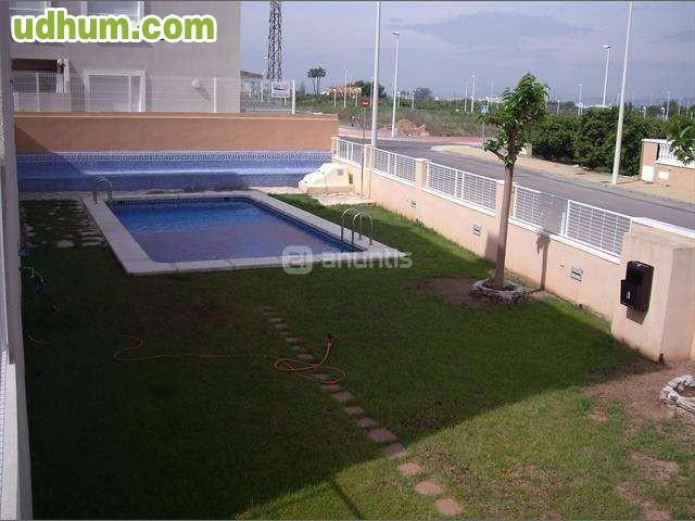 Ocasion adosado con piscina for Piscinas desmontables ocasion