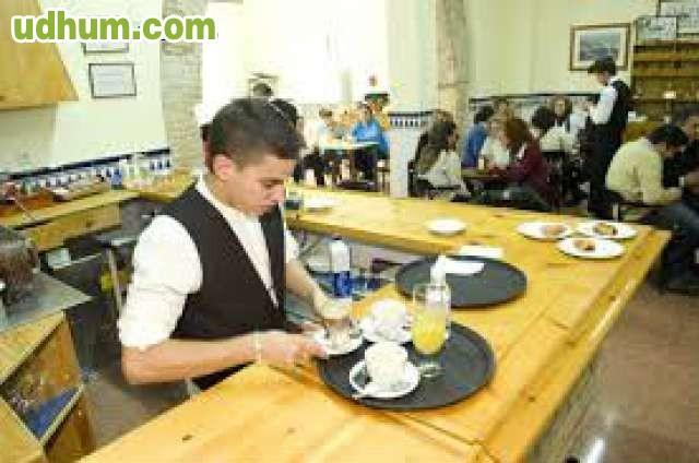 Camarero o ayudante de cocina 21 for Busco trabajo ayudante de cocina