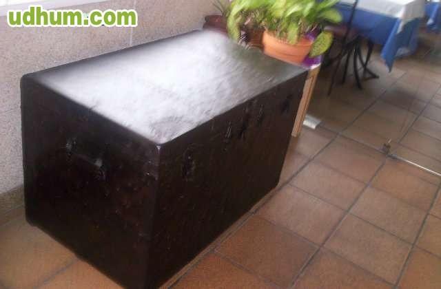 Restauracion muebles antiguos y tapizado for Reparacion de muebles antiguos