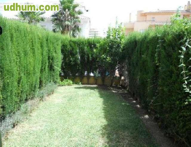 Piso planta bajo con jardin for Pisos bajos con jardin