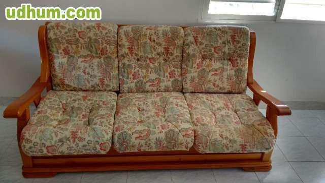 Sofa De Tres Plazas Y Dos Sillones 1
