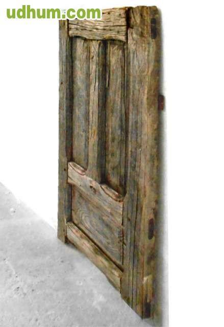 Puerta antigua de madera de casta o - Puertas de castano ...