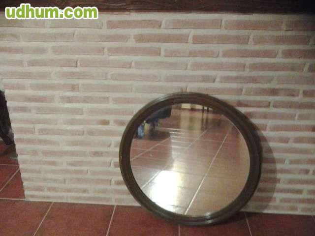Espejo redondo y mesa de madera y crista for Espejo redondo madera