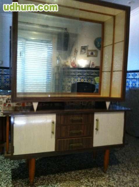 Armarios y mesa de salon for Armarios para salon