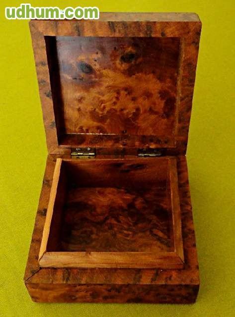 Antigua caja decorativa madera de raiz - Caja madera antigua ...