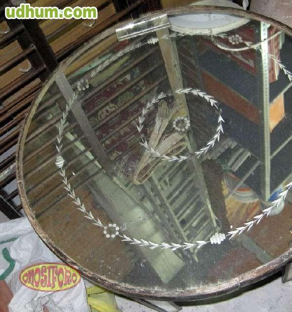 Mesa de espejos for Espejos para mesa