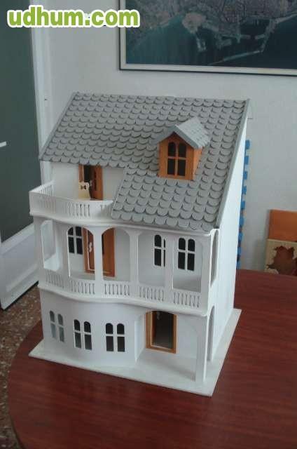 Vendo casa de mu ecas de madera for Vendo casa madera