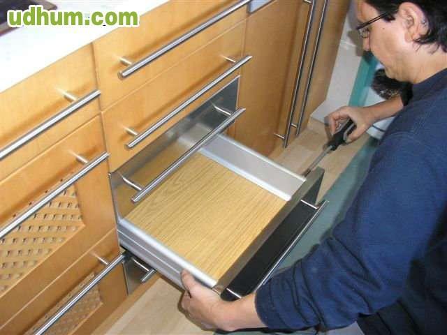 Montador de muebles 1 for Montador de muebles ikea