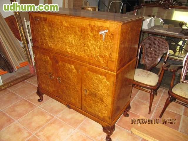 Restaurador de mueble antiguo for Restauradores de muebles antiguos