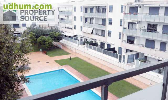 Piso con piscina calle sevilla for Pisos con piscina en sevilla