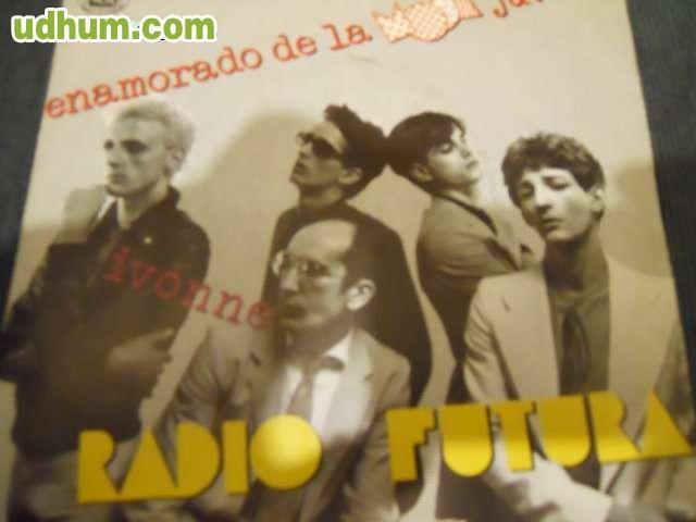 Radio Futura - Enamorado De La Moda Juvenil / Ivonne