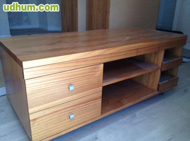 Mueble tv madera de pino con ruedas for Muebles para tv con ruedas