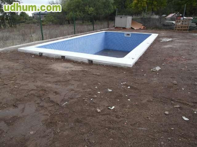 Piscinas de hormigon prefabricadas for Ofertas piscinas de hormigon