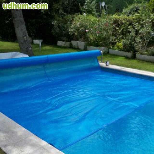 Oferta de cobertores y lonas de piscinas for Oferta construccion de piscinas