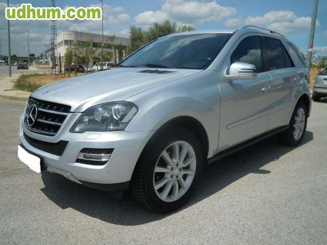 Mercedes benz mercedes ml 300 cdi 4 matic for Mercedes benz ml 300