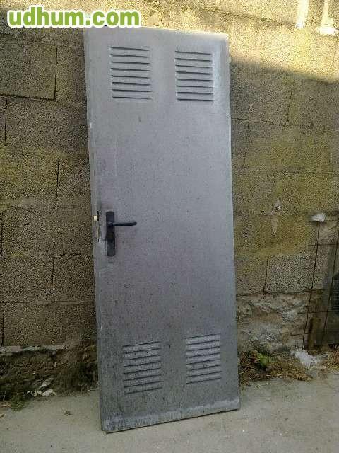 Se vende puerta galvanizada for Puerta galvanizada