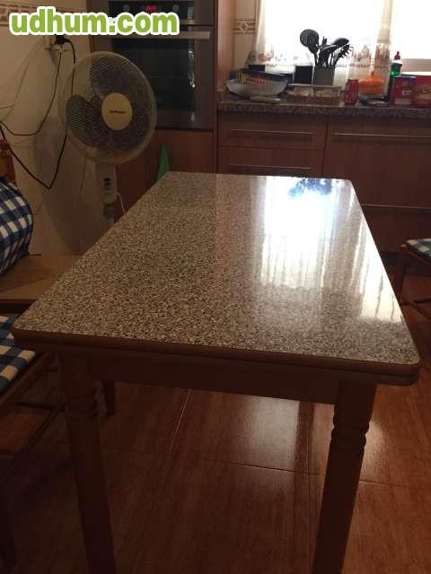 Juego de mesa de cocina y 4 sillas for Juego mesa cocina