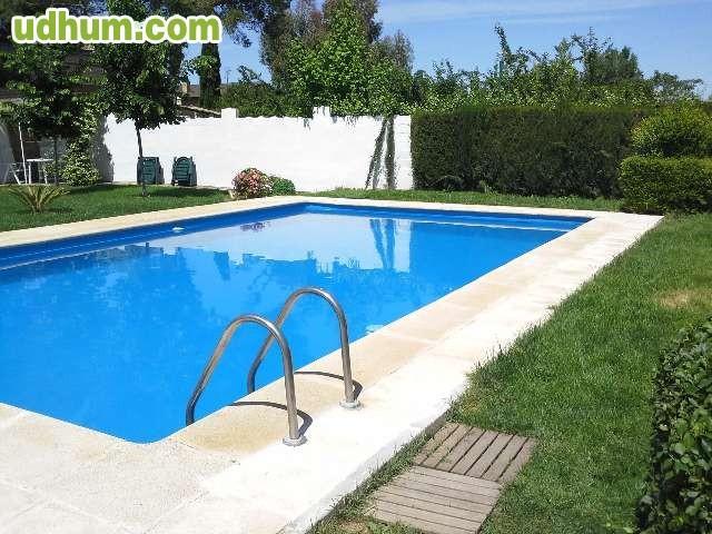 Alquiler de chalet con piscina privada for Alquiler de piscinas