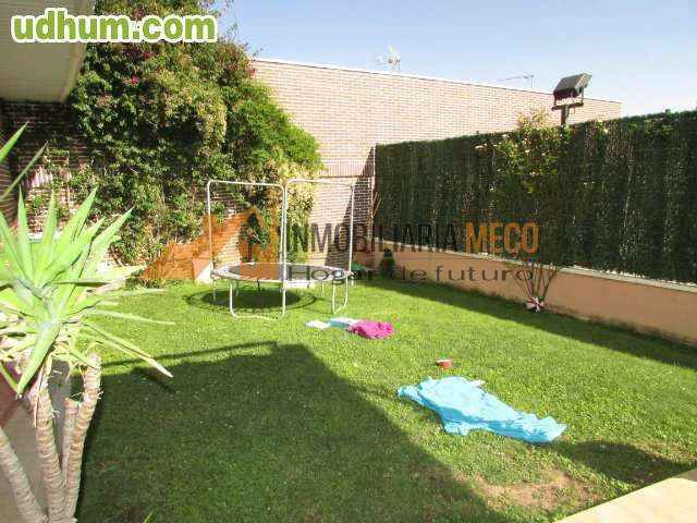 Bajo con amplio jardin 1 for Bajo con jardin majadahonda