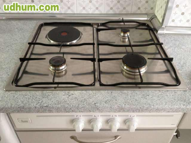 Cocina mixta de gas y un fuego electrico - Cocina de fuego ...
