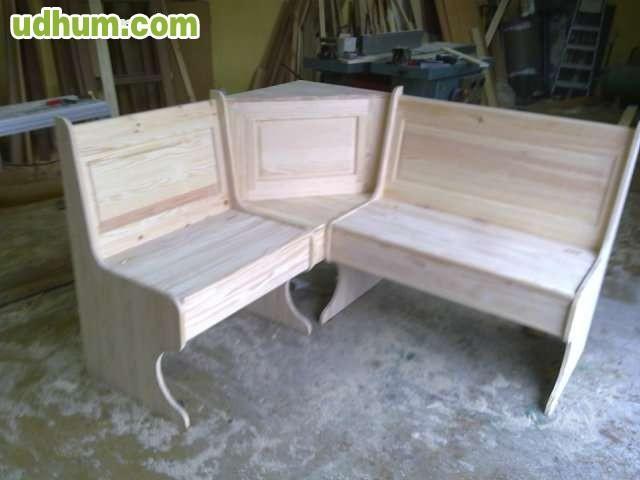 Mobilario para bodegas 1 for Mesas rinconeras de cocina de madera