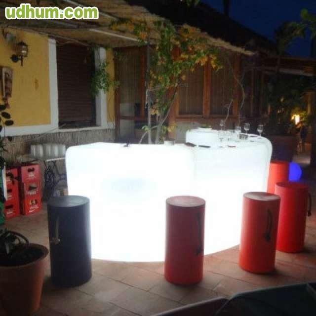 Barra de bar modelo zaibi con luz de led for Modelos de barras para bar