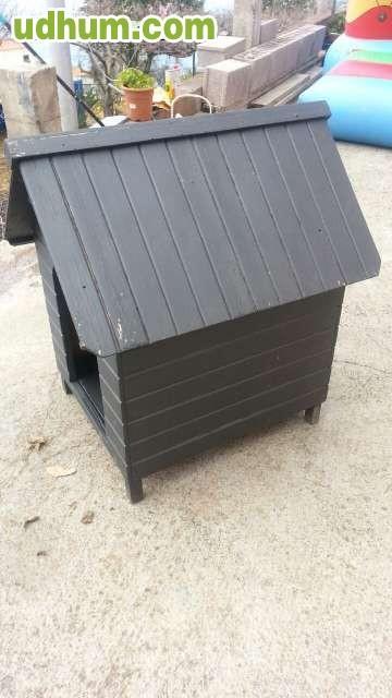 Vendo caseta de madera perro for Vendo casa de madera de segunda mano
