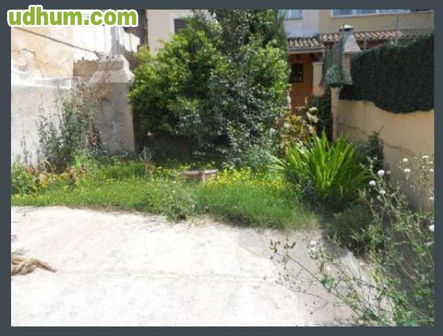 Excelente vivienda con jard n for Viviendas jardin