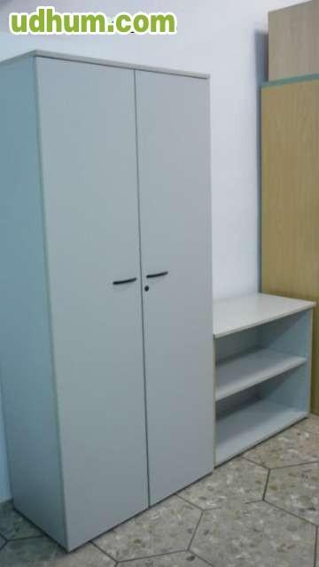 Armario dos puertas y mueble auxiliar 1 for Mueble dos puertas