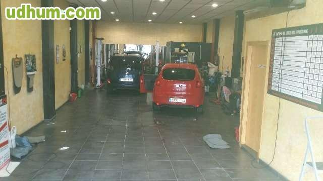 Taller limpieza ecologica for Limpieza de coches barcelona